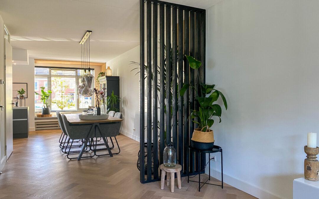 DIY: hoe maak je een roomdivider? Werkbeschrijving en tips voor een low budget scheidingswand met een stoere en industriële look