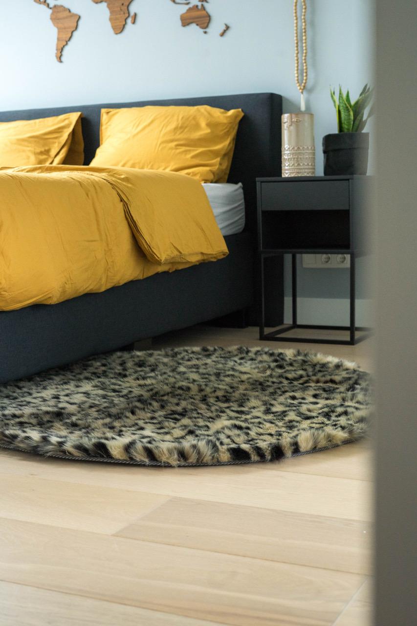 Vloerkleed panter slaapkamer